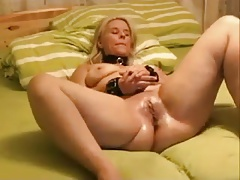 Super-steamy Mummy enjoys Predominance Going knuckle deep and Bottlefuck