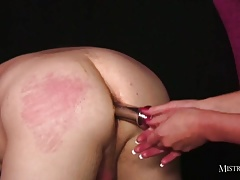 Super hot domme fucks pussy with steel cock then playthings