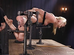 AJ Applegate Submits to The Pope's Gruelling Torture