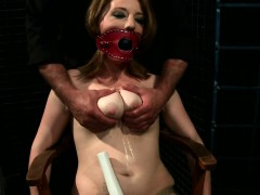 Chesty obedient screwed after pussytoying