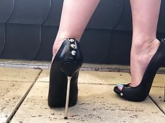 Killer Feet Taunt And Walking In High Heels Demonstrating Blue Toes