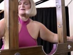 Granny gets labia licked in les 3way