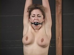 Isabella Soprano standing and vibrated