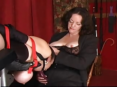 slavegirl  pulverized by 2 dommes