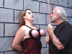 Dom puts string around servant breezies tits and pins her nipples