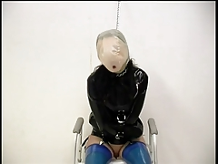 Marionette gets her ass nailed in the toilet