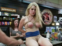 blond bi-atch used in public 3