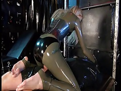 Dark-hued NATALIE LATEXROOM