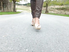 Walking with Aldo high heel  in slow motion!