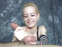 Hot sadistic tiny minx enjoys  a highly  hand job