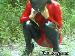 Domme In Latex  Exploitation