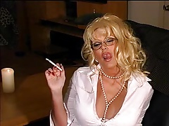 Smoking blondie  - glasses + 120