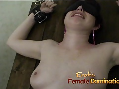 Kinky brunette  has her orgasmic twat pleasured by