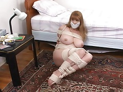 Hopping wire mummy MILF